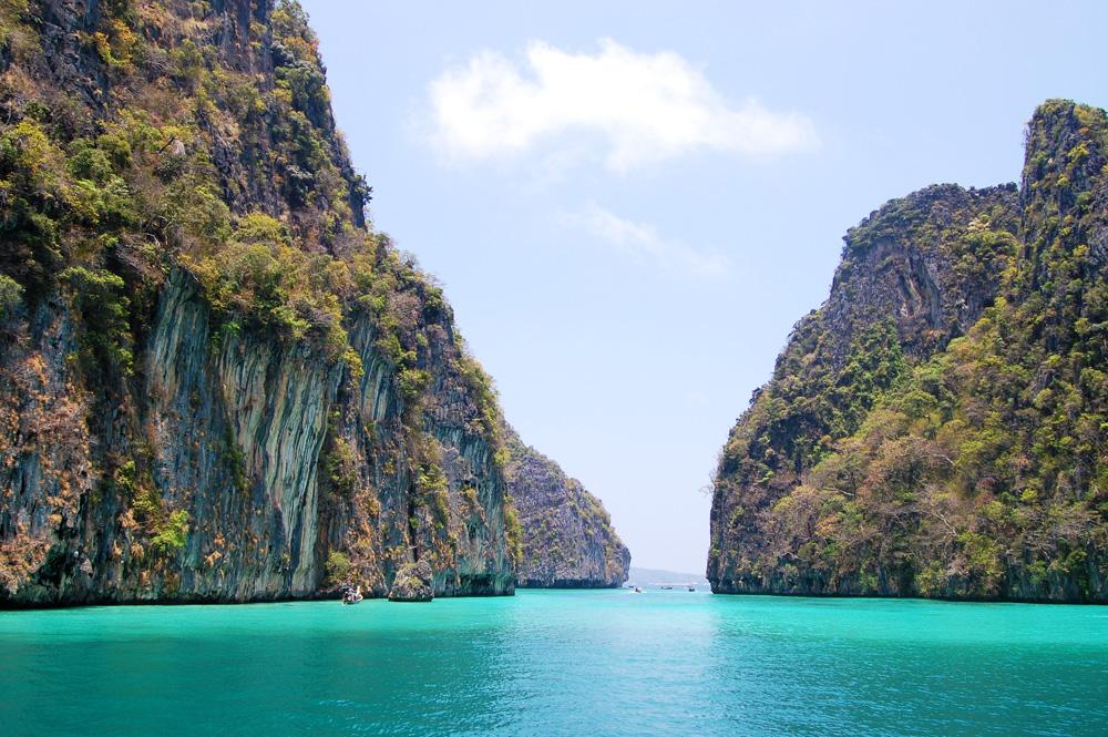 Phi Phi Islands Snorkeling Day Trip - Elixir Divers